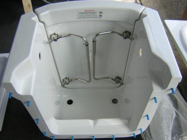 Scorpio front entry walk in bath
