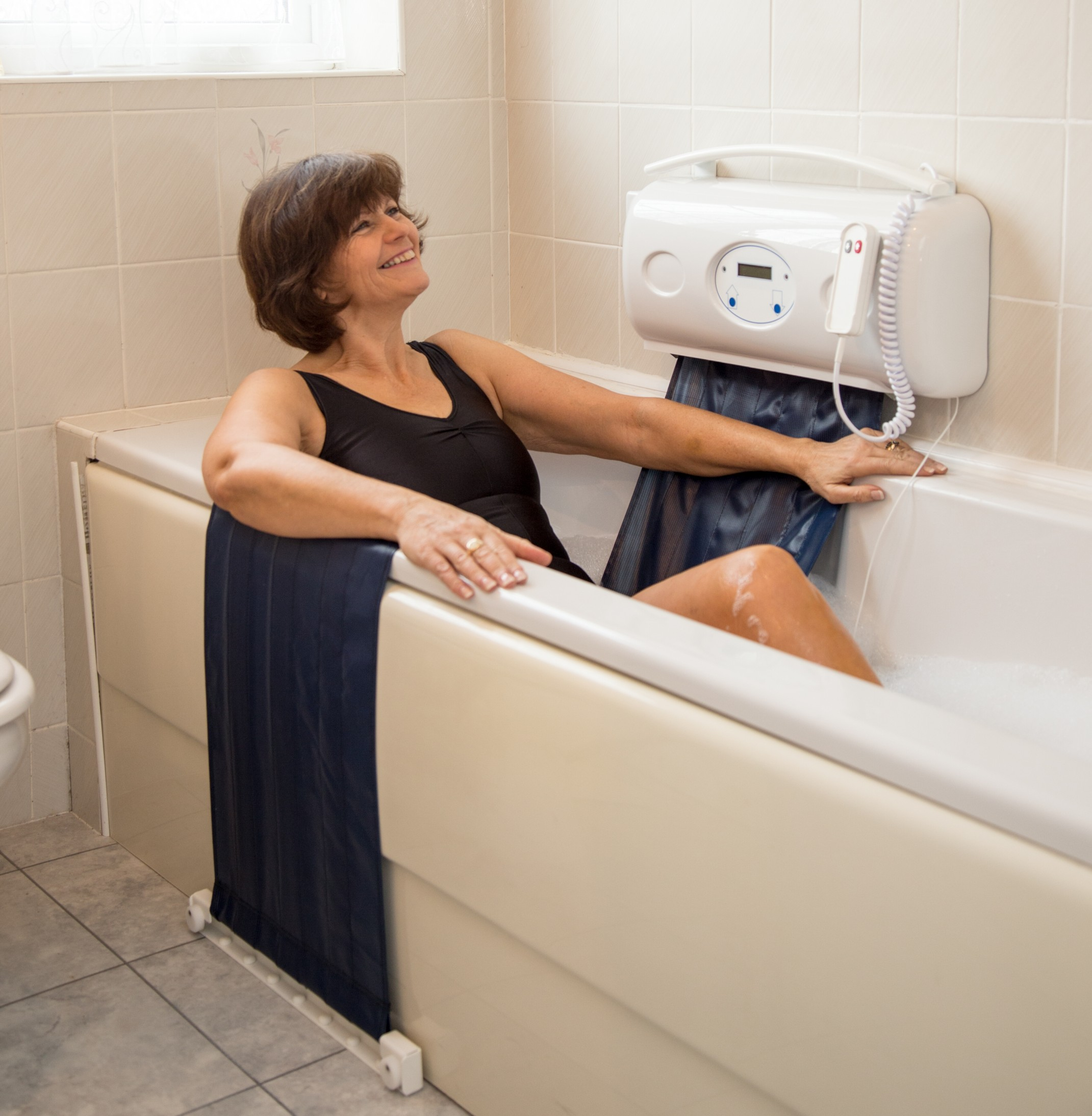 Relaxa Bath Lift Helps You To Enjoy Your Existing Bath