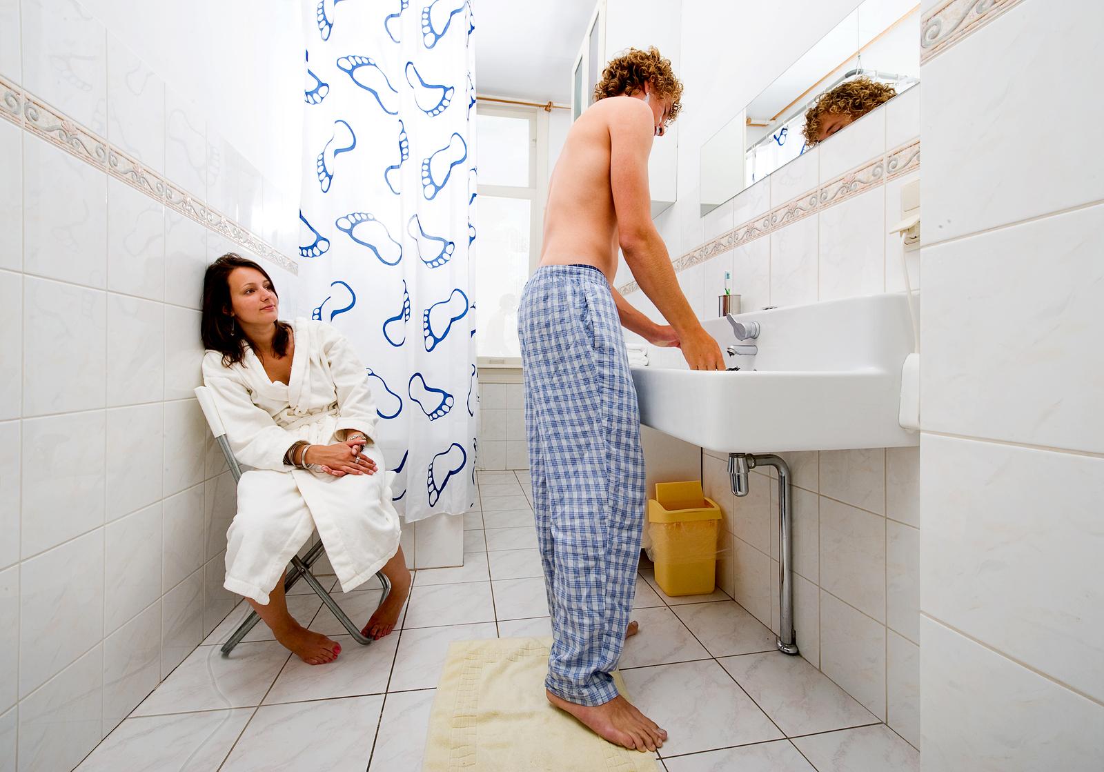 Трахаю зрелую раком в ванной, Порно В ванной Раком -видео. Смотреть порно 24 фотография